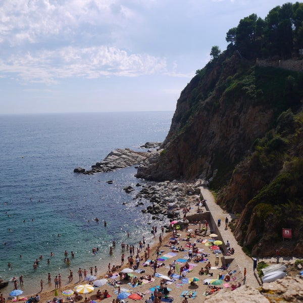 Photo taken at Cala Canyelles by Krichun on 8/23/2015