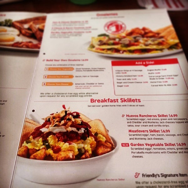 Photo taken at Friendly's by Tyler F. on 8/29/2013