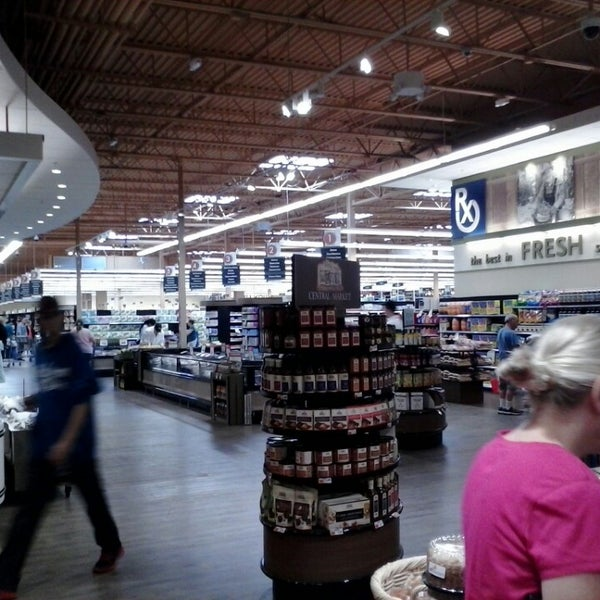 Photo taken at Price Chopper by Joe S. on 7/13/2013