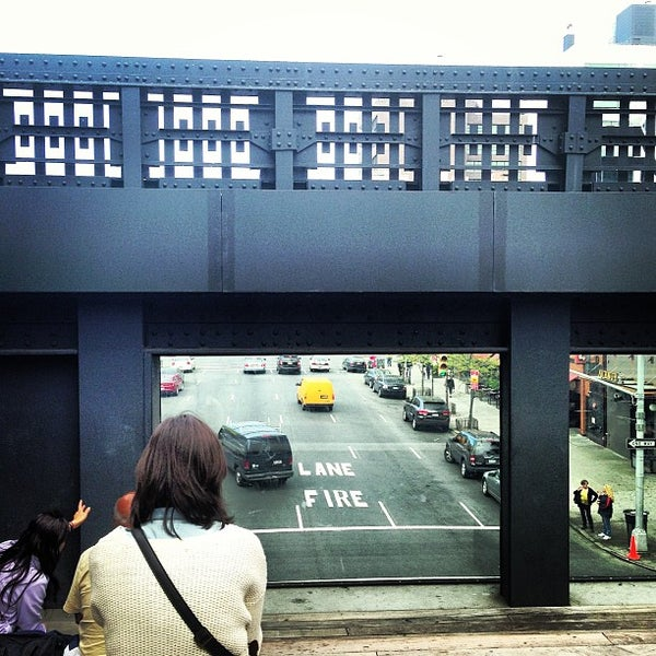 Photo taken at High Line 10th Ave Amphitheatre by Pedro V. on 5/6/2013