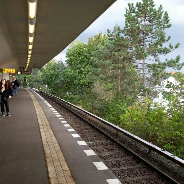 u holzhauser stra e metro station in tegel. Black Bedroom Furniture Sets. Home Design Ideas