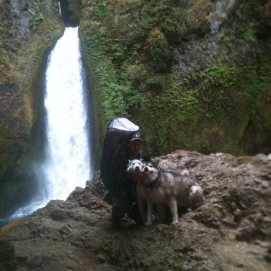 Photo taken at Wahclella Falls Trailhead by Maxwell H. on 9/23/2012