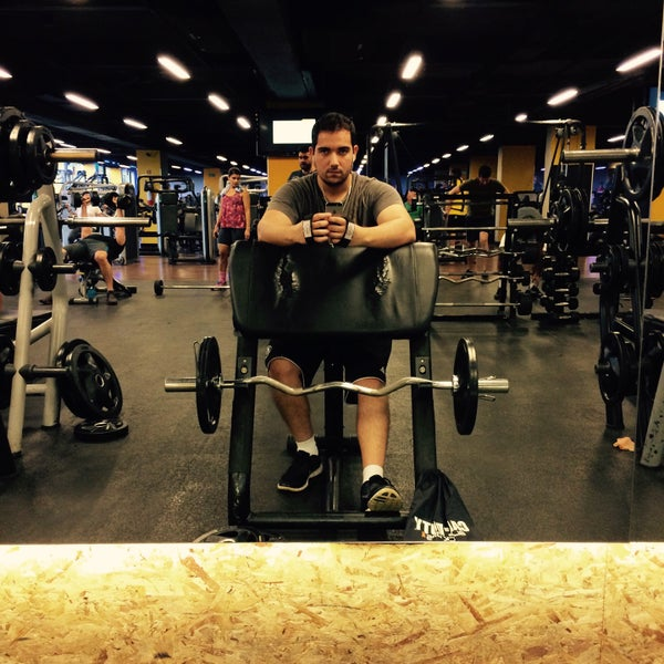Photo taken at Academia Smart Fit by Felipe B. on 12/23/2014