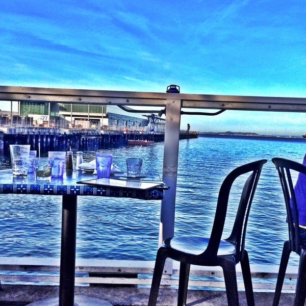 Photo taken at Pier 23 Cafe by Jacki D. on 1/10/2014