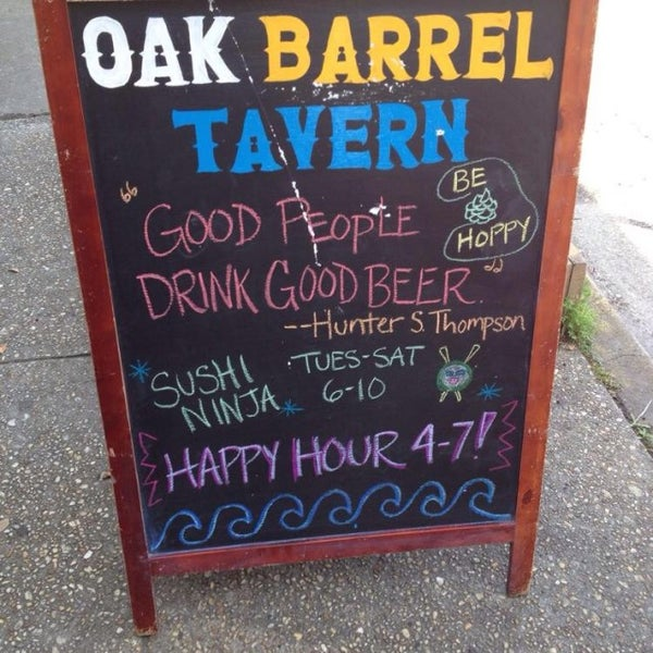 Photo taken at Oak Barrel Tavern by Kini on 4/8/2014