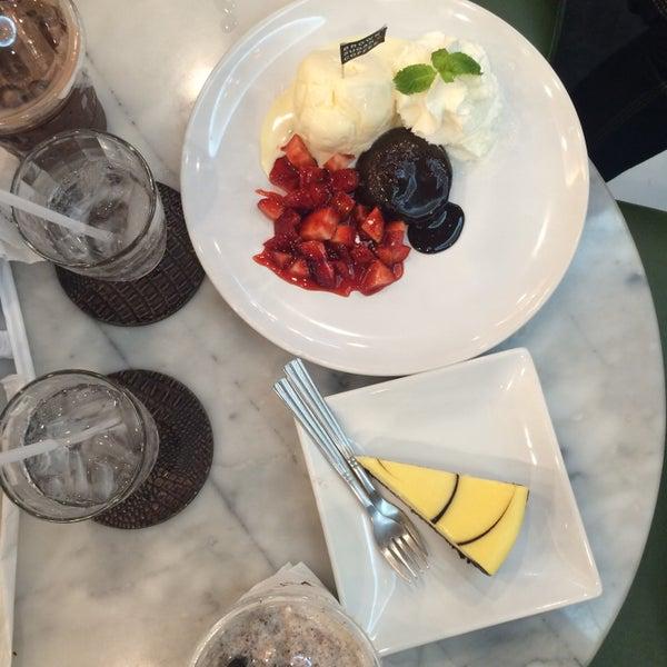 Photo taken at brown sugar cafe by Zobii' B. on 5/30/2015