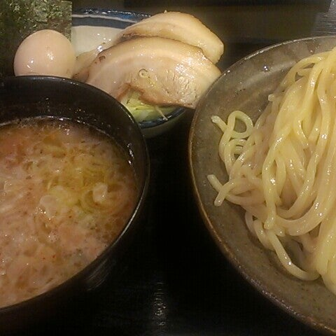 Photo taken at 三ツ矢堂製麺 下北沢店 by Kohta F. on 6/12/2013