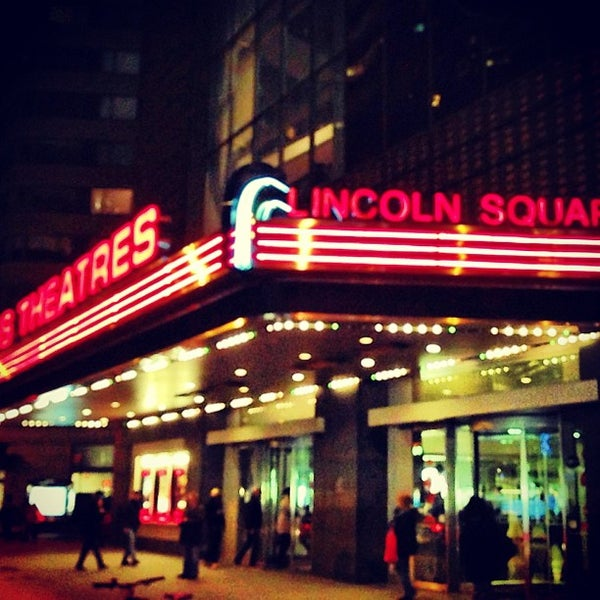 Снимок сделан в AMC Loews Lincoln Square 13 пользователем Austin W. 5/26/2013
