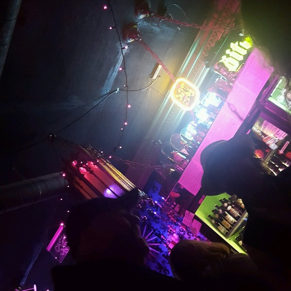 Photo taken at Little Miss Whiskey's Golden Dollar by ayoap .. on 10/16/2016
