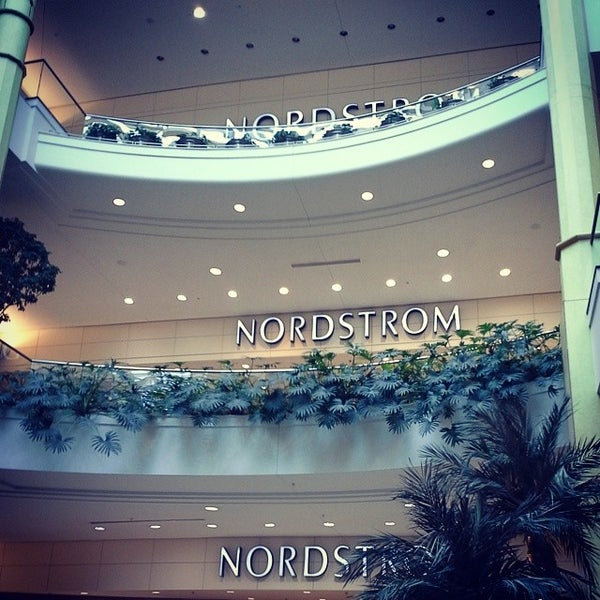 Photo taken at Nordstrom Somerset Collection by Edward M. on 3/20/2014