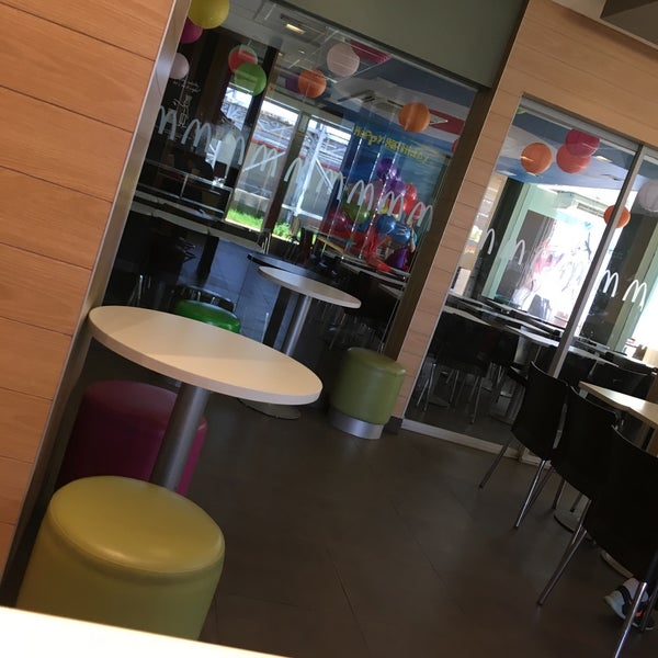 Photo taken at McDonald's by Dennis Paul on 12/1/2016