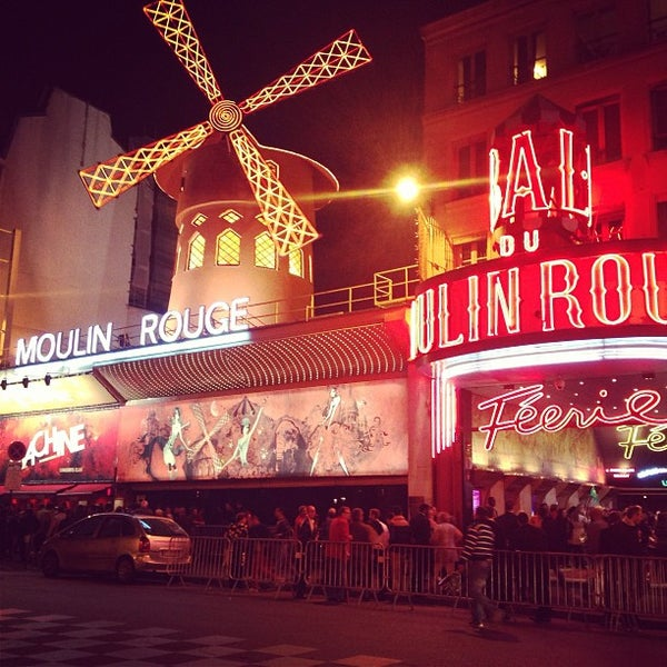 Photo taken at Moulin Rouge by Юлия К. on 6/23/2013