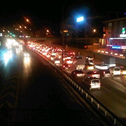 Photo taken at E-5 Göztepe Köprüsü by Emrah Hakkı B. on 9/28/2012