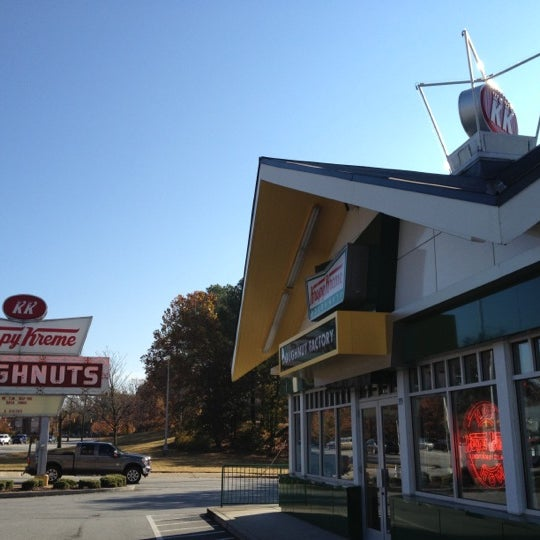 Photo taken at Krispy Kreme Doughnuts by Matt S. on 11/16/2012