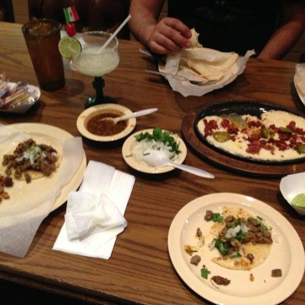 El Mercadito Mariachi Restaurant Menu