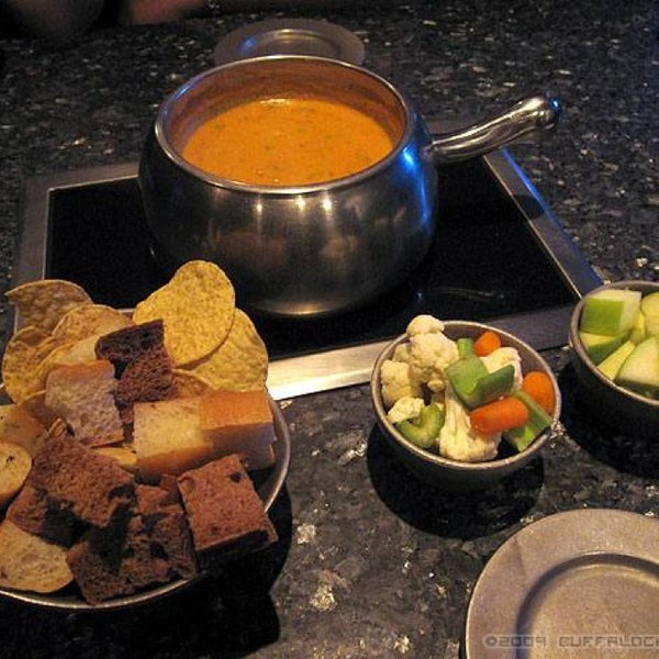 how to eat at the melting pot