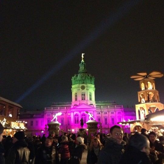 Photo taken at Weihnachtsmarkt vor dem Schloss Charlottenburg by Natalie M. on 12/9/2012