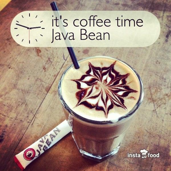 Photo taken at Java Bean by Yora M. on 11/16/2013
