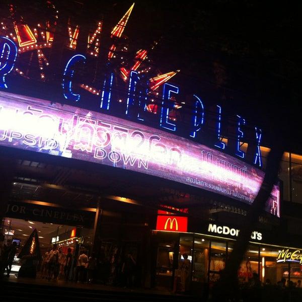 Photo taken at Major Cineplex Ratchayothin (เมเจอร์ ซีนีเพล็กซ์ รัชโยธิน) by Arancar A. on 12/20/2012