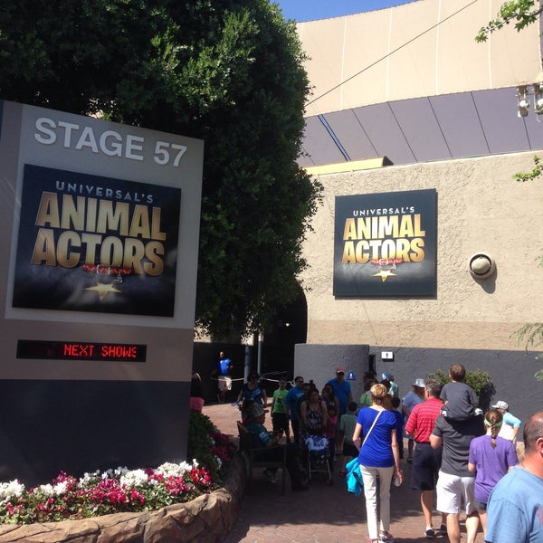 Photo taken at Universal's Animal Actors by Chris L. on 3/17/2016