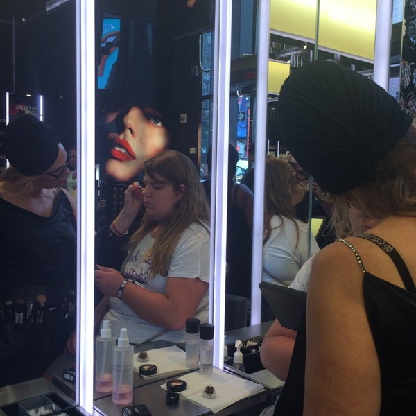 Photo taken at MAC Cosmetics by Mike F. on 8/13/2014