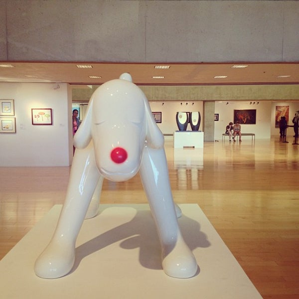 Photo taken at Palm Springs Art Museum by Gaile D. on 8/11/2013