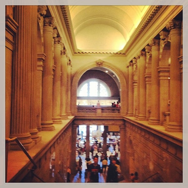 Photo taken at The Metropolitan Museum of Art by Fernanda S. on 6/5/2013