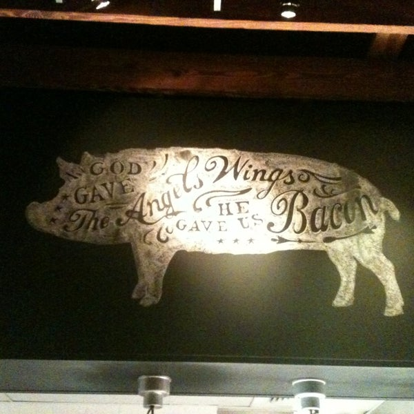 Photo taken at Yardbird Southern Table & Bar by Claudia B. on 5/10/2013