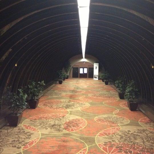 Photo taken at Sheraton Denver Downtown Hotel by Evan[Bu] on 11/20/2012