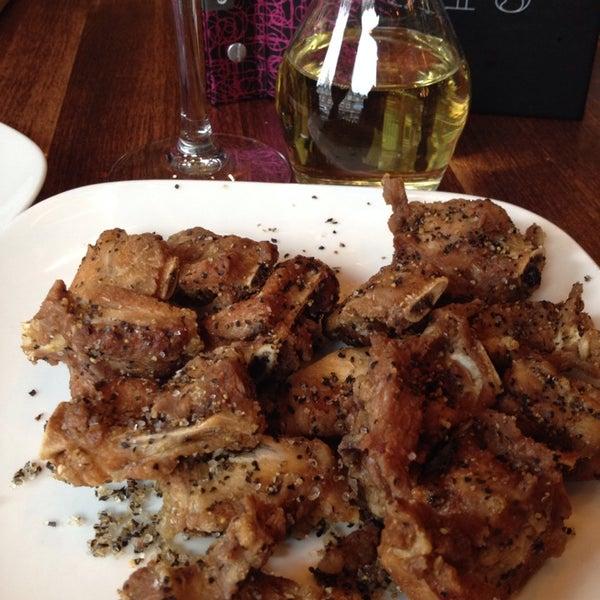Photo taken at Earls Restaurant by Ben S. on 11/3/2013