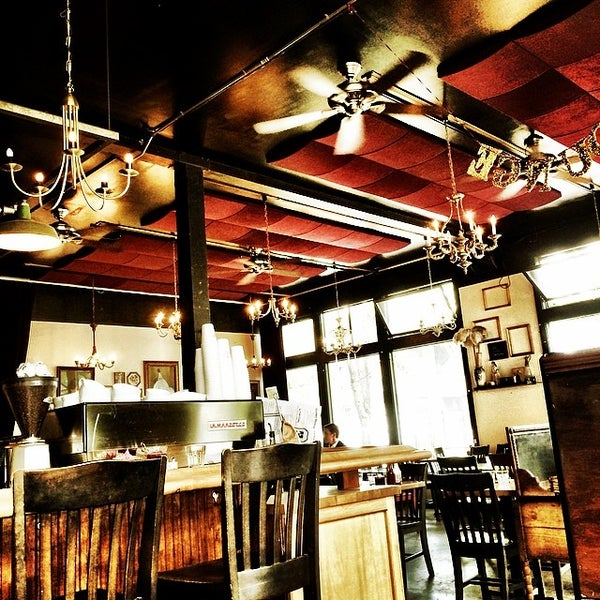 Photo taken at Louisa's Cafe & Bakery by Matt K. on 5/5/2014
