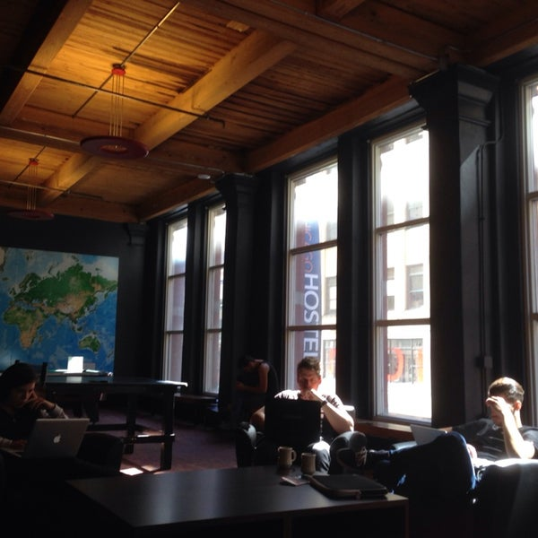 Photo taken at Hostelling International Chicago by Christopher L. on 9/26/2013