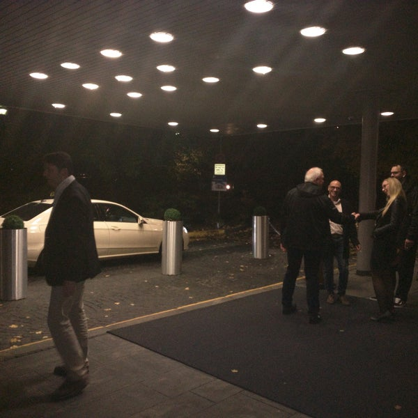 Photo taken at Hilton Munich Park by volkermampft on 10/25/2016