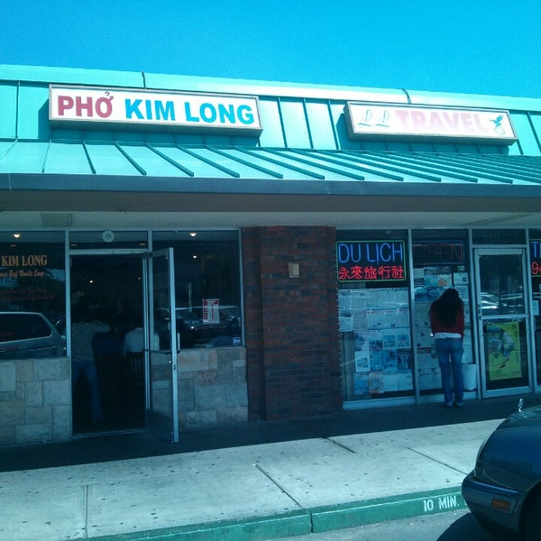 Photo taken at Phở Kim Long by Brian T. on 4/12/2013
