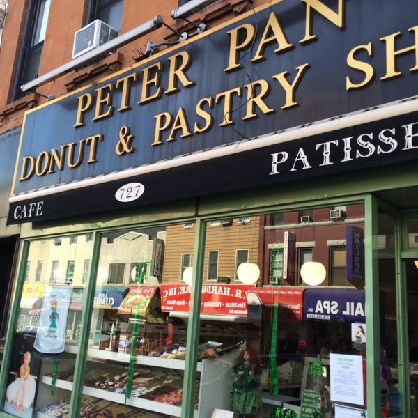 Photo taken at Peter Pan Donut & Pastry Shop by Jeni J. on 3/6/2014