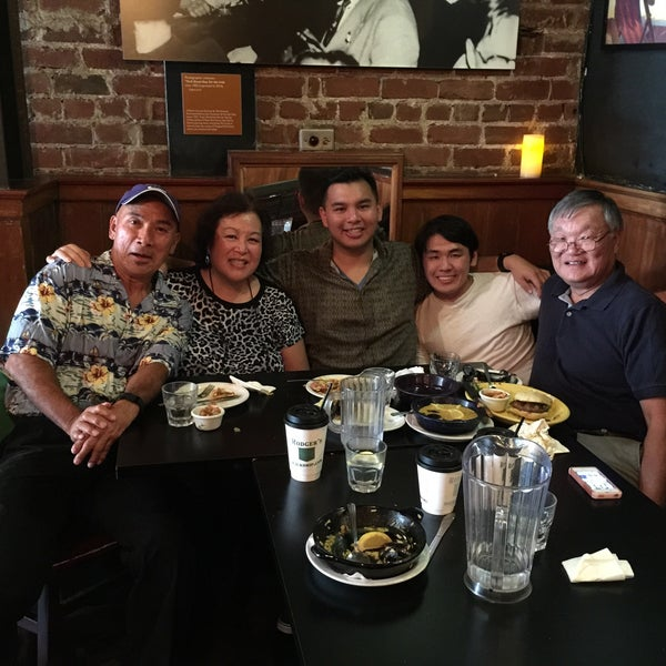 Photo taken at Cha Cha Cha by Dolly Y. on 8/5/2015
