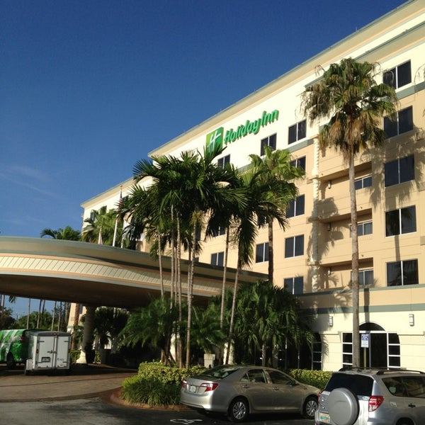 Photo taken at Holiday Inn Ft. Lauderdale-Airport by SooFab on 7/25/2013