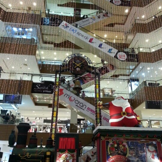 Photo taken at Gurney Plaza by EAT OUT on 12/19/2012