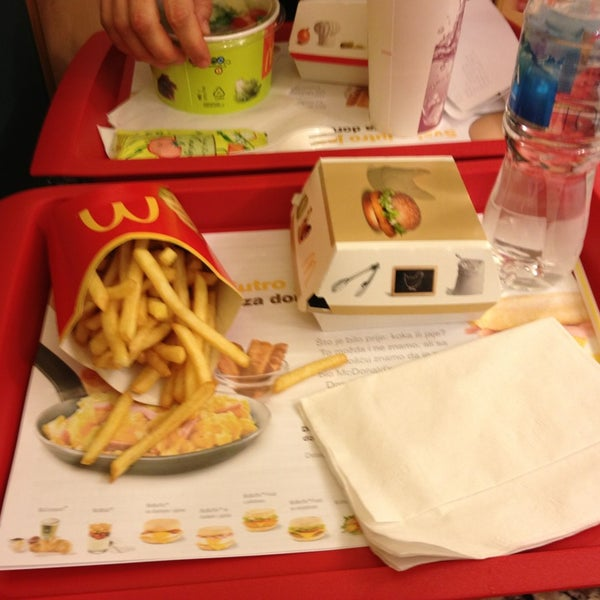 Photo taken at McDonald's by Alen G. on 12/28/2012