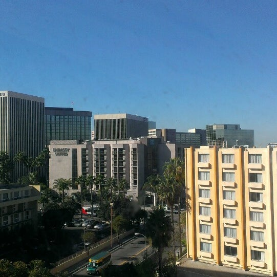 Photo taken at Four Points by Sheraton Los Angeles International Airport by Jorge S. on 11/25/2013