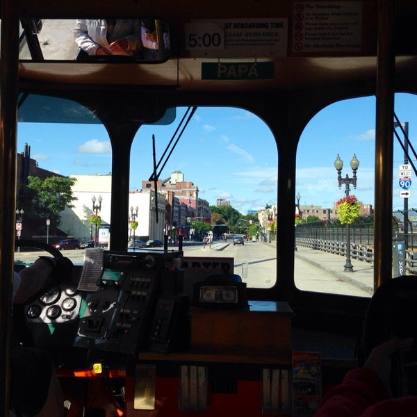 Photo taken at Old Town Trolley Tour by REN on 8/23/2014