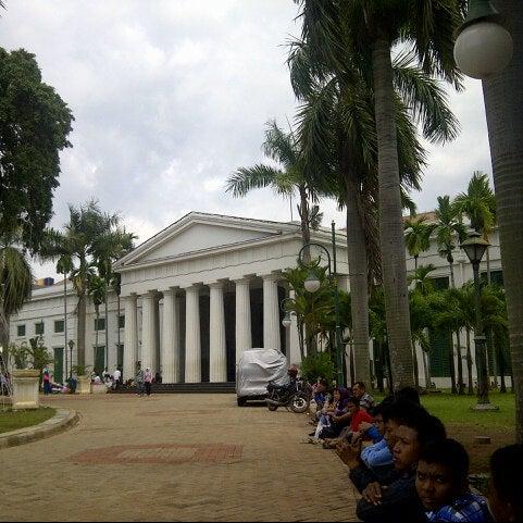 Photo taken at Museum Seni Rupa dan Keramik by Frendit W. on 12/29/2012