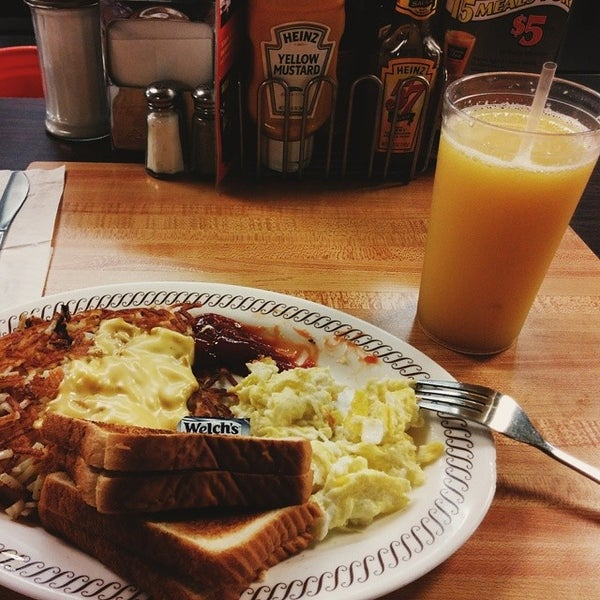 Photo taken at Waffle House by Michael N. on 8/8/2014