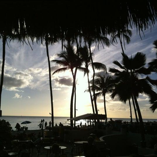 Photo taken at Duke's Waikiki by John Q. on 11/28/2012