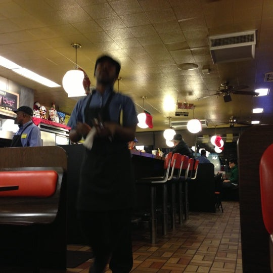 Photo taken at Waffle House by Izzy G. on 12/1/2012
