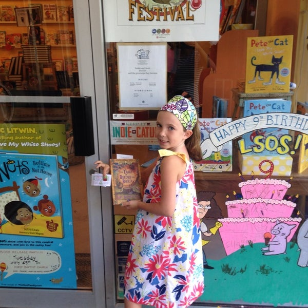 Photo taken at Little Shop of Stories by Shannon H. on 7/25/2014