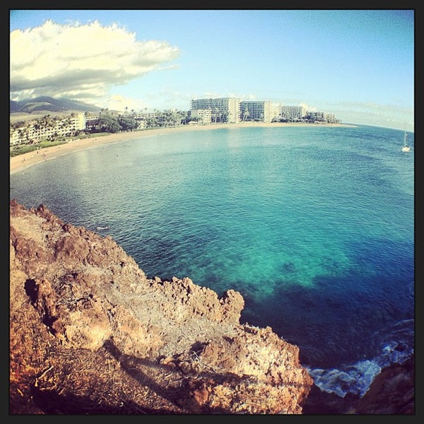 Photo taken at Sheraton Maui Resort & Spa by Nellie H. on 5/10/2013