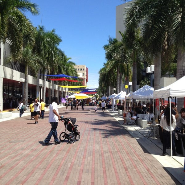 Photo taken at Miami Dade College Wolfson Campus by Larry P. on 4/6/2013