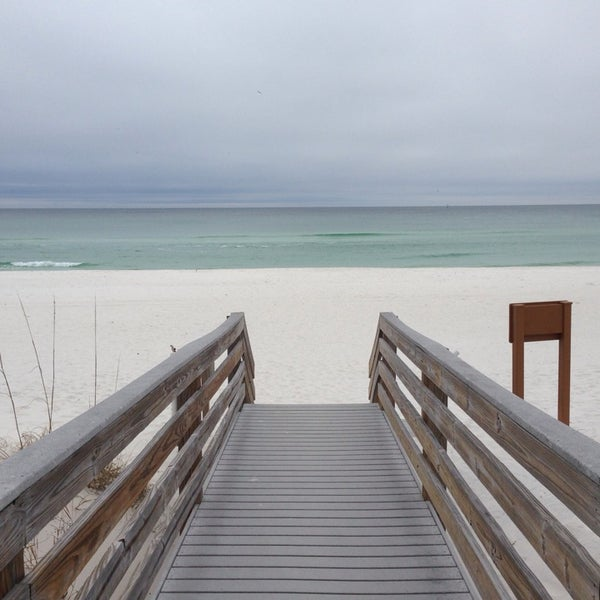 Photo taken at Hilton Pensacola Beach Gulf Front by Joan L. on 2/4/2014