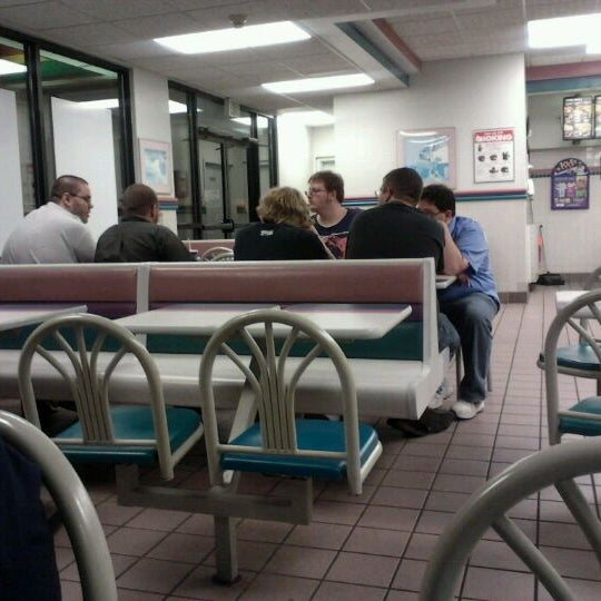 Photo taken at Taco Bell by Melissa J. on 9/15/2012